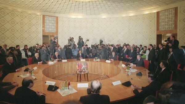 Firma del acuerdo de creación de la Comunidad de los Estados Independientes - Sputnik Mundo