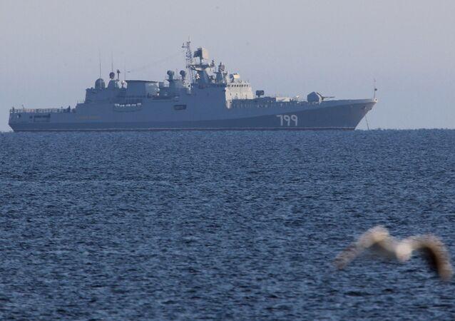 El buque patrullero ruso Almirante Makarov