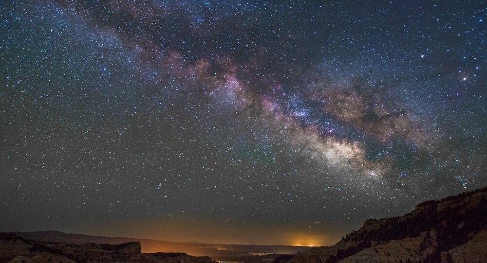 Cielo con estrellas (archivo)