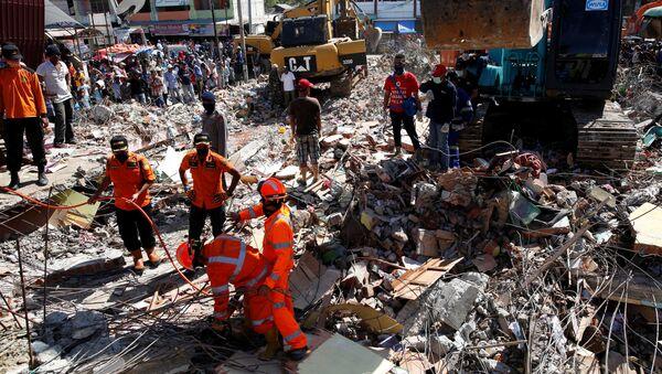Las consecuencias del terremoto en Indonesia - Sputnik Mundo