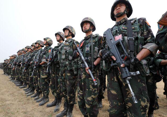 Militares chinos (imagen referencial)