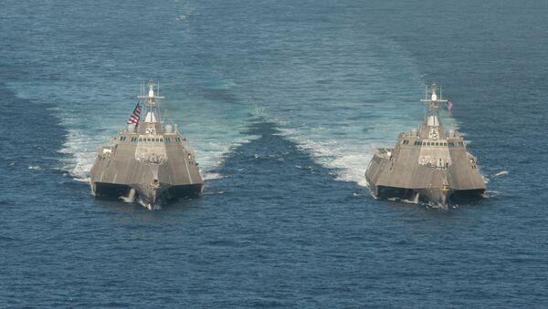 Buques de combate litoral estadounidenses USS Independence y USS Coronado (archivo) - Sputnik Mundo