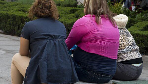 Personas con sobrepeso - Sputnik Mundo