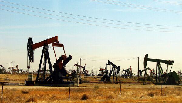 La extracción de petróleo - Sputnik Mundo