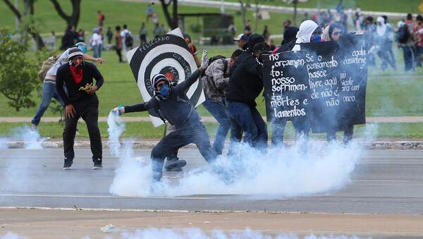 Manifestantes en Brasilia - Sputnik Mundo
