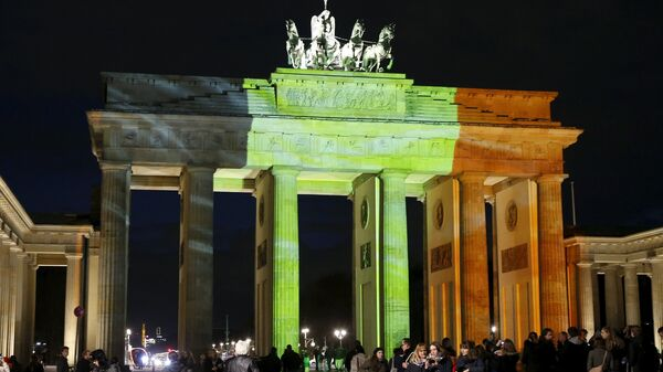 La Puerta de Brandeburgo en Berlín, la capital alemana - Sputnik Mundo