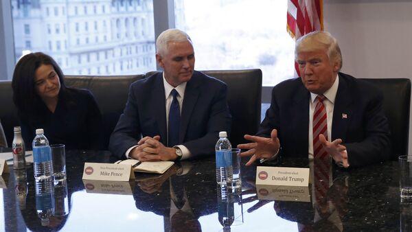 Donald Trump se reúne con líderes de la industria tecnológica - Sputnik Mundo