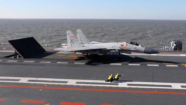 Caza chino J-15 - Sputnik Mundo
