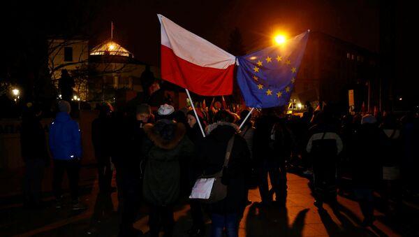 Protestas en Varsovia, Polonia - Sputnik Mundo