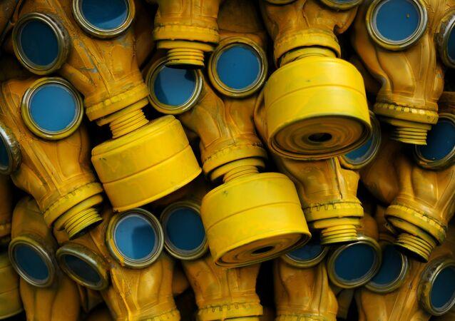 Una instalación artística de 400 máscaras antigás en Bulgaria
