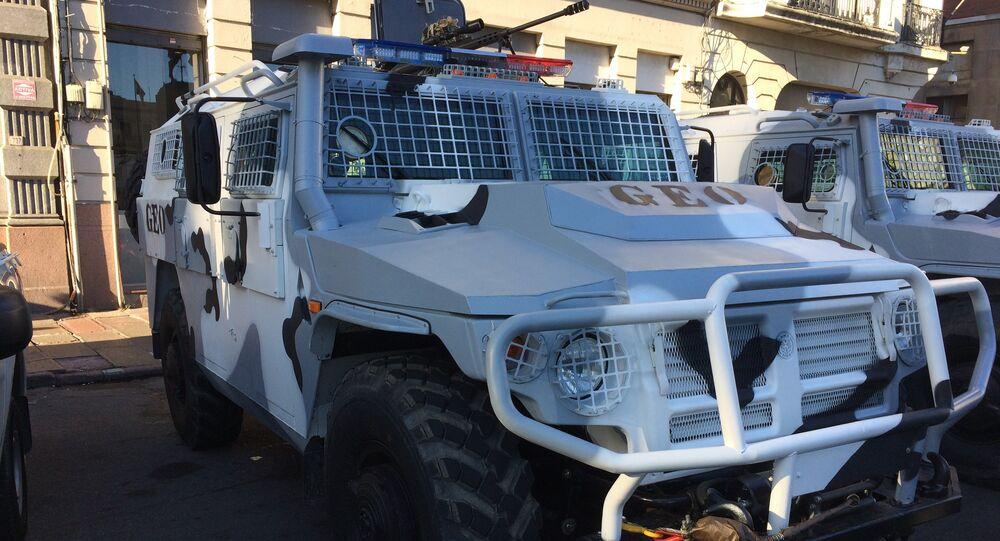 Camión Tigr de origen ruso adquirido por el Gobierno de Uruguay estacionado en Montevideo en el marco del acto conmemoración del día de la Policía Nacional