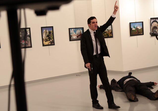 Mevlut Mert Altintas que mató al embajador ruso en Ankara, Andréi Kárlov