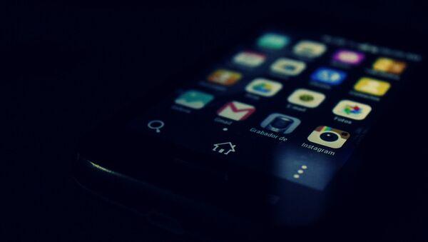 Un teléfono en Android (imagen referencial) - Sputnik Mundo