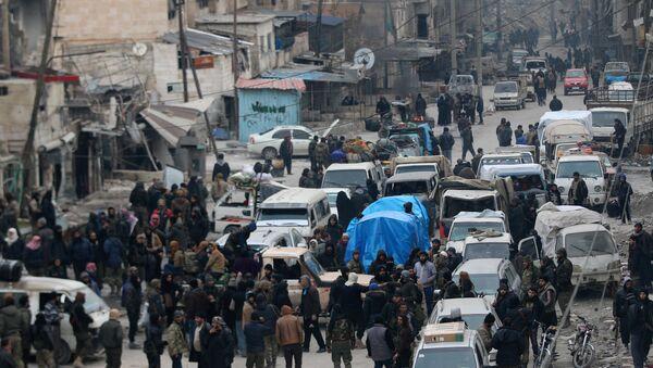 Evacuación en Alepo - Sputnik Mundo