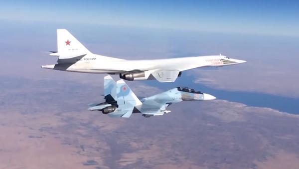 Los mejores vuelos de la Aviación Estratégica de Rusia - Sputnik Mundo