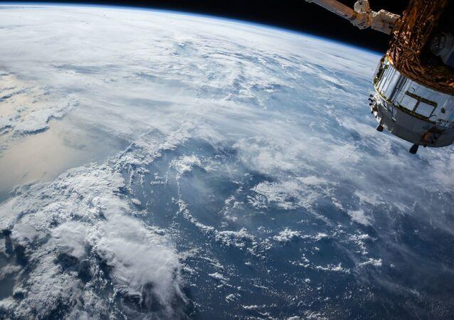 La Tierra vista desde el espacio exterior (archivo)