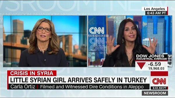 La cineasta boliviana Carla Ortiz da entrevista a la cadena CNN - Sputnik Mundo