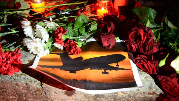 Homenaje a las víctimas del Tu-154 siniestrado - Sputnik Mundo