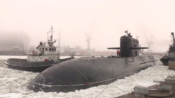 Potencia nuclear entre los hielos: el submarino Podmoskovie se une a la Flota Rusa del Norte - Sputnik Mundo