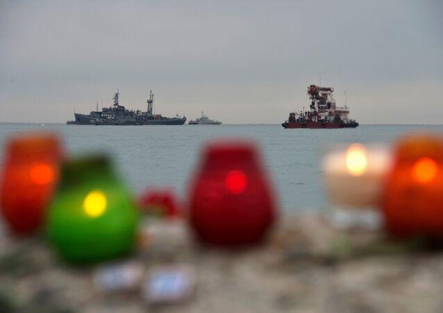La operación de búsqueda y rescate en el lugar del siniestro de Tu-154 en Sochi