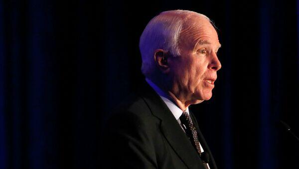 Senador John McCain - Sputnik Mundo