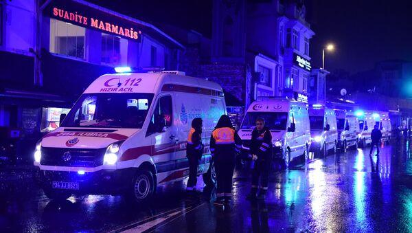 Ambulancias cerca del lugar del atentado en Estambul - Sputnik Mundo