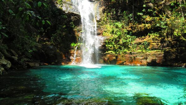 A cachoeira da Santa Bárbara está localizada no Parque Nacional da Chapada dos Veadeiros dentro da comunidade Kalunga - Sputnik Mundo