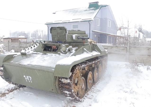 Réplica del tanque T-60