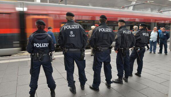 Policías austriacos - Sputnik Mundo