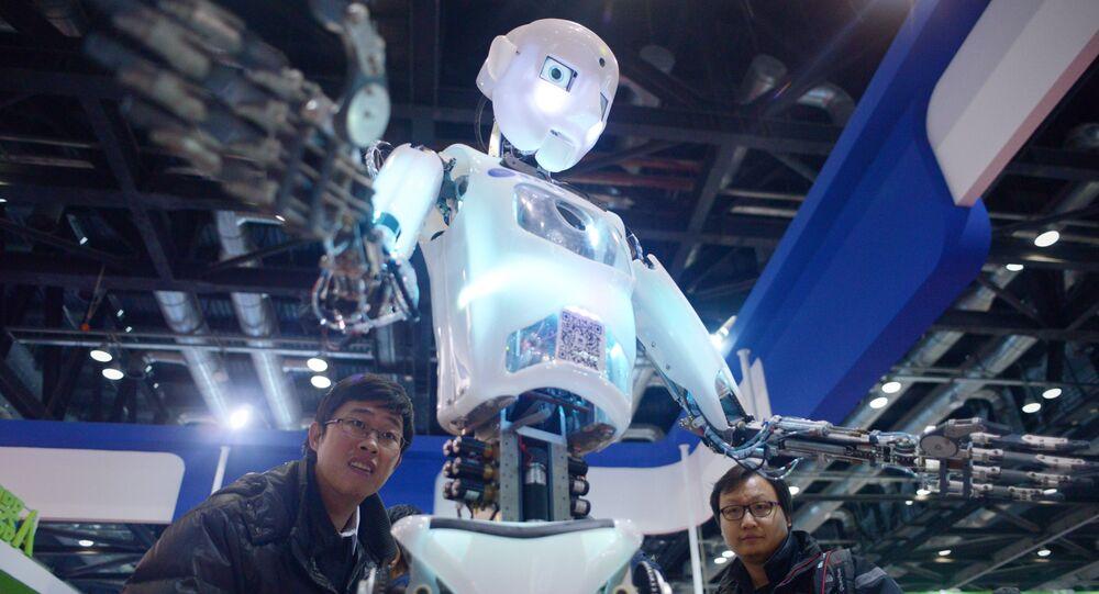 Un robot demonstrado en una feria robótica en China (archivo)