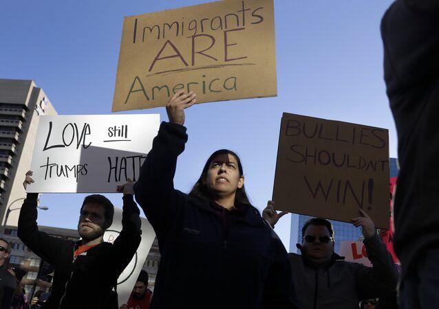 Marcha de inmigrantes contra Trump