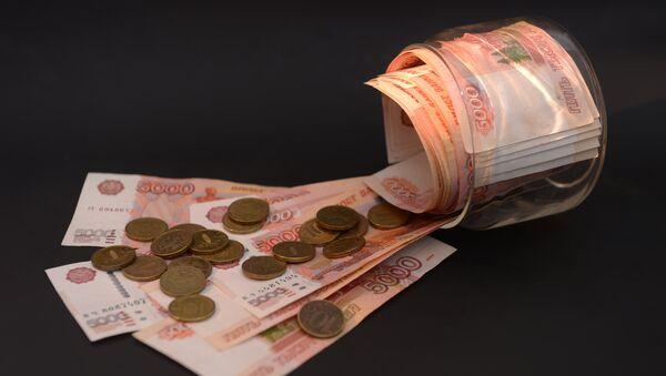 Rublos (billetes y monedas rusas) - Sputnik Mundo