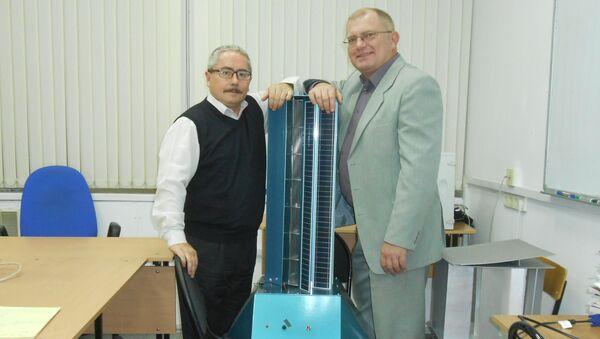 Valery Perevalov y Leonid Primak, the inventors of the new generator - Sputnik Mundo