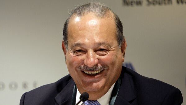 Mexican tycoon Carlos Slim Helu holds a press conference at the Forbes Global CEO conference in Sydney - Sputnik Mundo