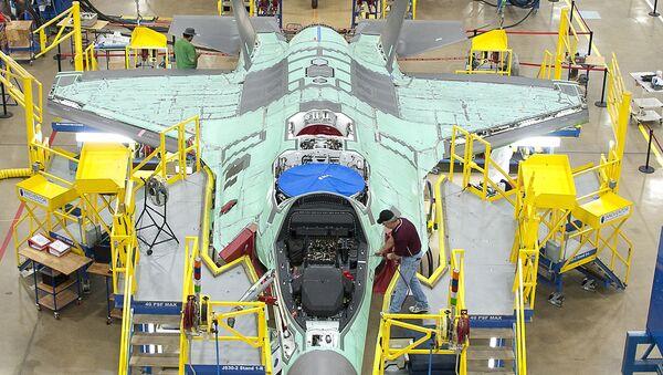 Línea de ensamblaje del F-35, foto archivo - Sputnik Mundo