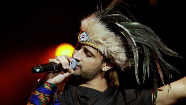 El popular músico pakistaní Atif Aislam - Sputnik Mundo