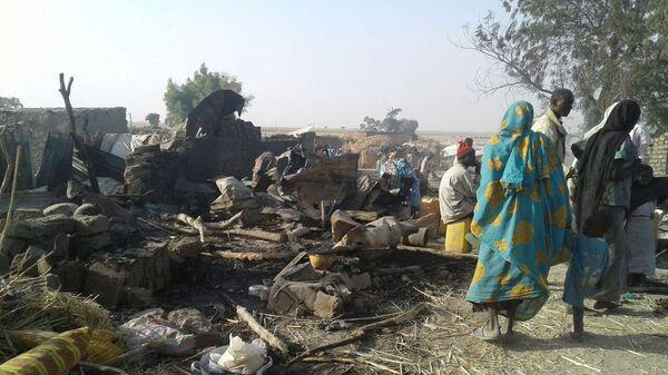 Los habitantes de Nigeria tras un ataque (archivo) - Sputnik Mundo