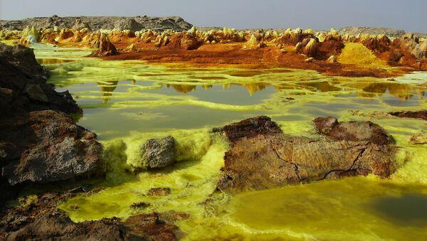 Desierto de Danakil, Etiopía. Aproximadamente así era la Tierra hace 2.500-3.000 millones de años - Sputnik Mundo