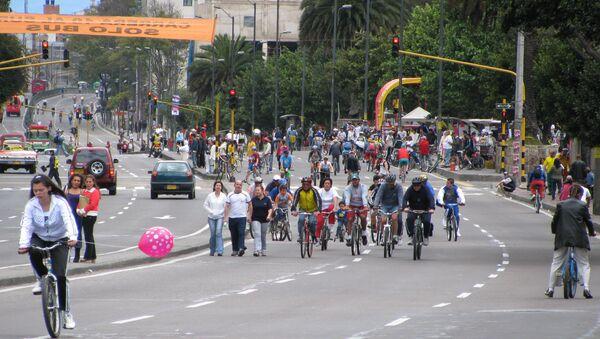 Una ciclovía en Bogotá - Sputnik Mundo