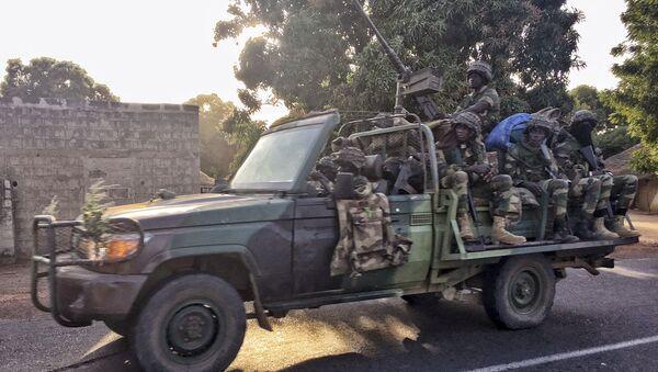 Soldados de Senegal en Gambia - Sputnik Mundo
