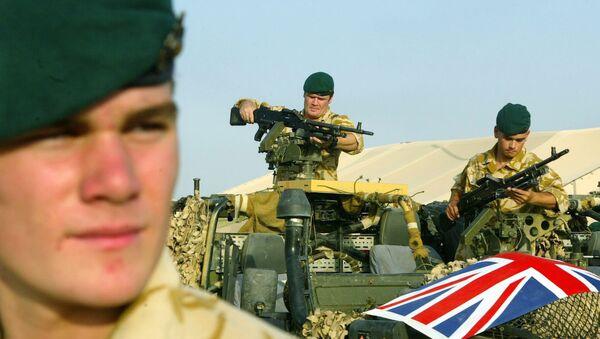 A British soldier - Sputnik Mundo