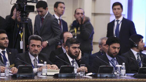 Mohamed Alush, del grupo Yeish al Islam, quien encabeza la delegación de los rebeldes en Astaná - Sputnik Mundo