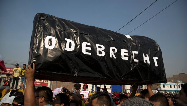 Protestas en Perú por el aumento de los peajes en una ruta construida por Odebrecht - Sputnik Mundo