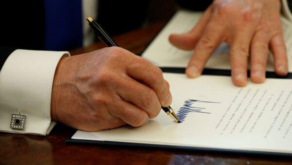Donald Trump retira a EEUU del Acuerdo de Asociación Transpacífico (TPP) - Sputnik Mundo