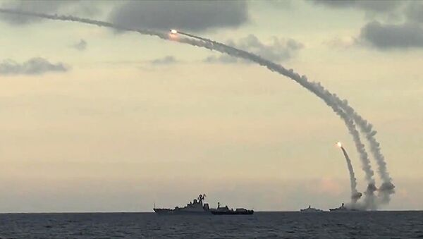 Ships from Russia's Caspian Flotilla launching Kalibr-NK cruise missiles against Daesh targets in Syria. File photo - Sputnik Mundo