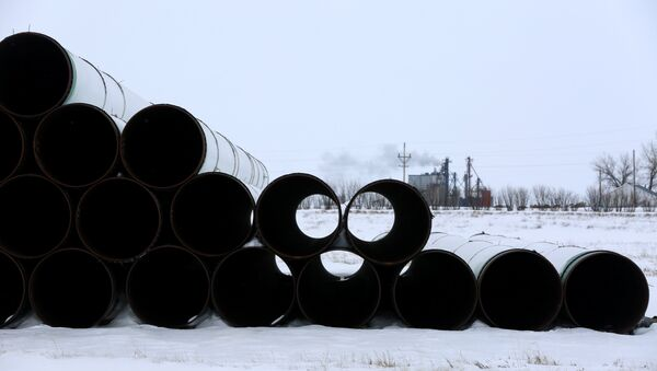 A depot used to store pipes for Transcanada Corp's planned Keystone XL oil pipeline is seen in Gascoyne, North Dakota - Sputnik Mundo