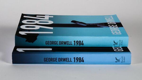 La distopía '1984' de Orwell - Sputnik Mundo
