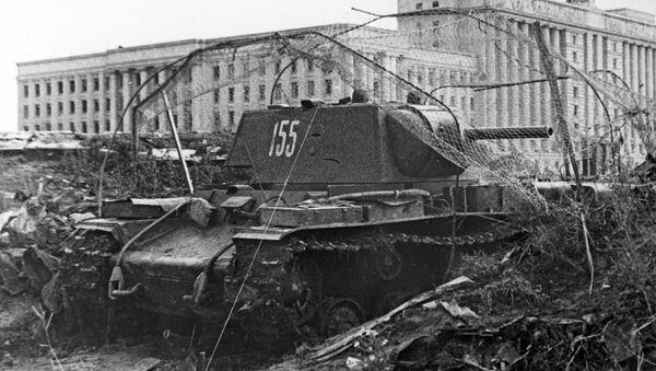 Tanque KV-1 en Leningrado durante el bloqueo - Sputnik Mundo
