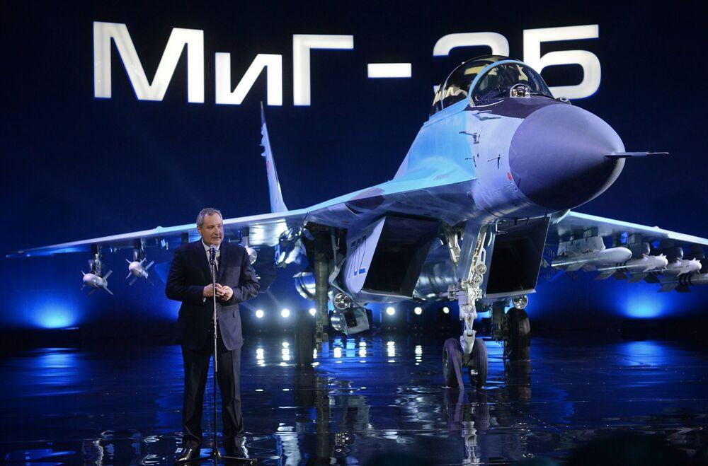 Discurso del vicepresidente del Gobierno de Rusia, Dmitri Rogozin, durante la presentación del nuevo caza MiG-35