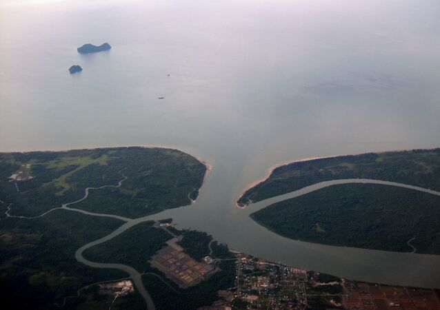 Mar de la China Meridional, costa de Borneo